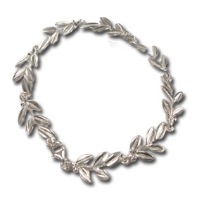 Niki Collection :: Victory Laurel Sterling Silver  20mm Link Bracelet