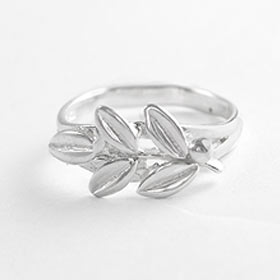 Niki Collection :: Victory Laurel Sterling Silver Ring